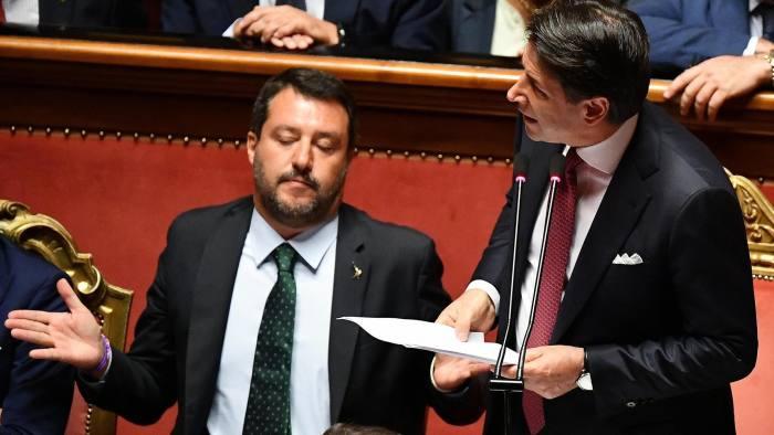 GIUSEPPE CONTE RENUNCIA SEU CARGO DE PRIMEIRO MINISTRO
