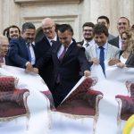UM PASSO RUMO A ECONOMIA DO ESTADO: ITÁLIA REDUZ NÚMERO DE PARLAMENTARES